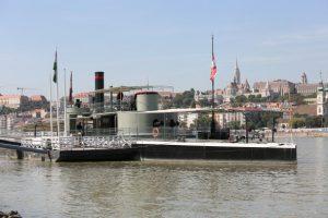 A szolgálatban megöregedett hajók túlélési lehetősége